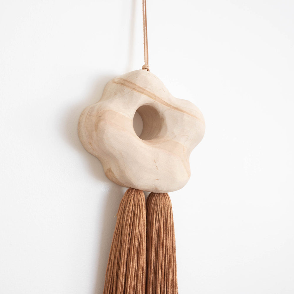 Small Form Hanging 16