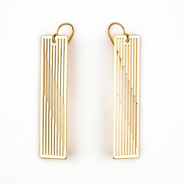 #18 earrings gold