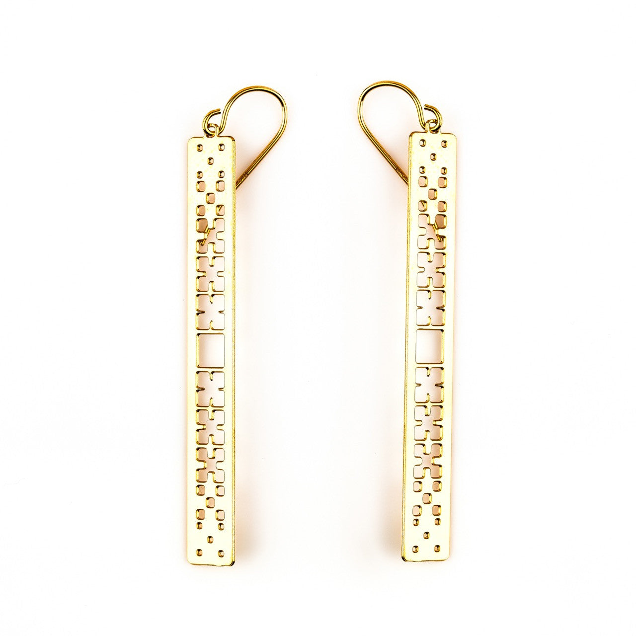 #8 earrings gold