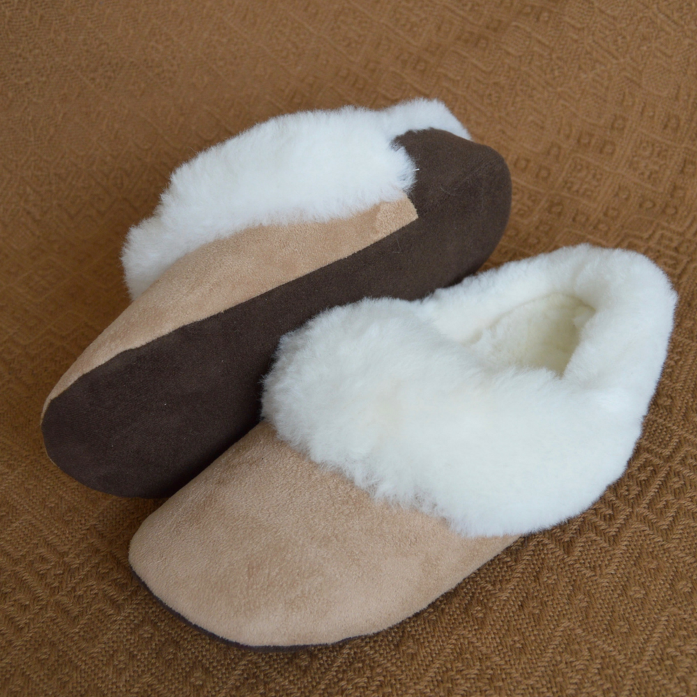 "Handmade ""Corbata"" style, Luxury Alpaca fur, Beige slippers.  Free Shipping to USA. - Peruvian Accent"