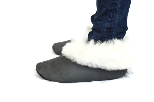 "Handmade ""Pantufla"" style Alpaca fur Gray slippers. Custom made. Free Shipping to USA. - Peruvian Accent"