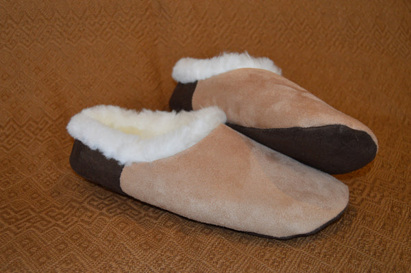 "Custom Handmade Beige ""Wawucha"" style Alpaca fur slippers.  Made to Order. FREE shipping to USA. - Peruvian Accent"
