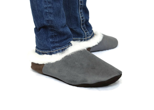 "Handmade custom , Gray ""Wawucha"" style Alpaca fur slippers. Made to order. UNISEX - Peruvian Accent"