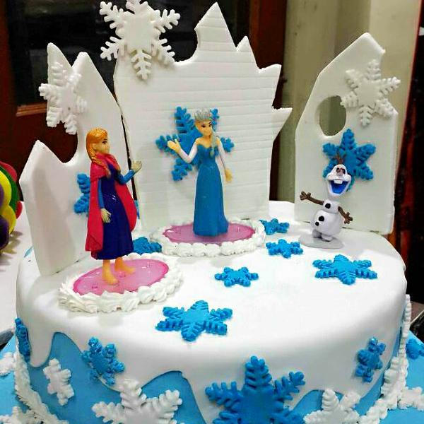 Frozen Elsa Anna and Olaf Cake CakeFite
