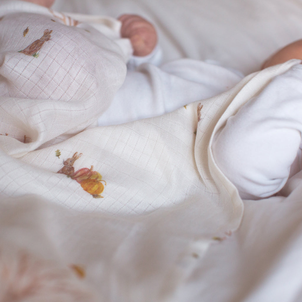 Bamboo swaddle blankets rabbit print with baby