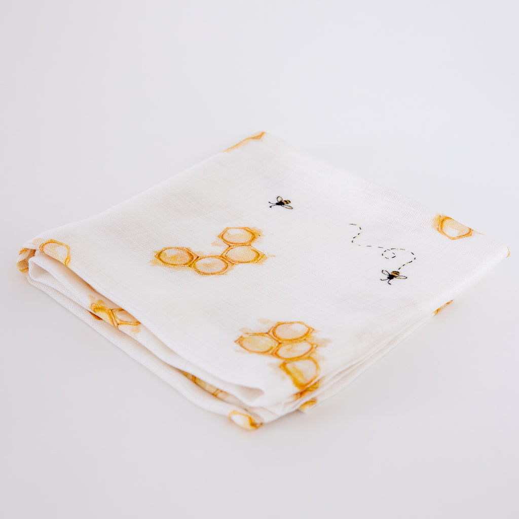Luxury Natural Baby Gifts Set (Bee Design, Six-Piece) - The Little Art Collection