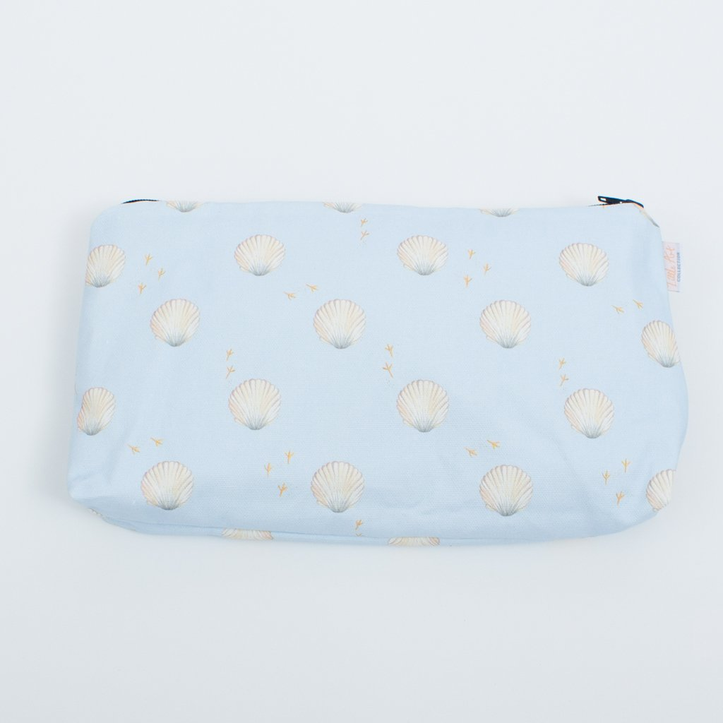 Nappy changing pouch in seashell design