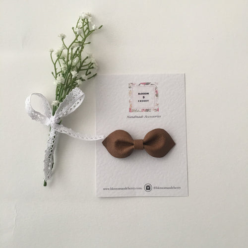 Millie Bow-Genuine leather hair bow || Tan