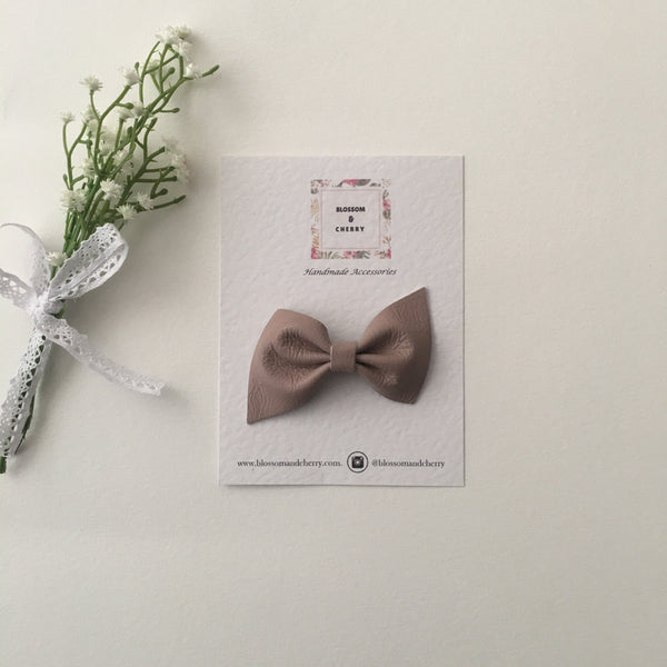 Kate Bow-Genuine leather hair bow || Caramel
