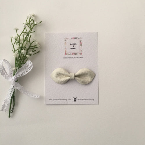 Millie Bow-Genuine leather hair bow || Cream