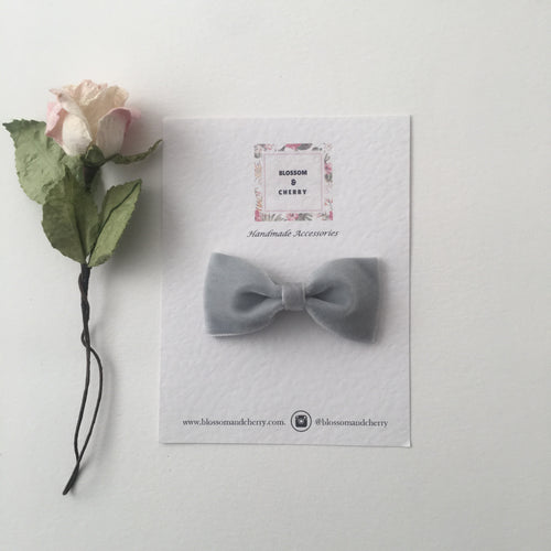 Silver Velvet Pinch Bow || Headband or Clip