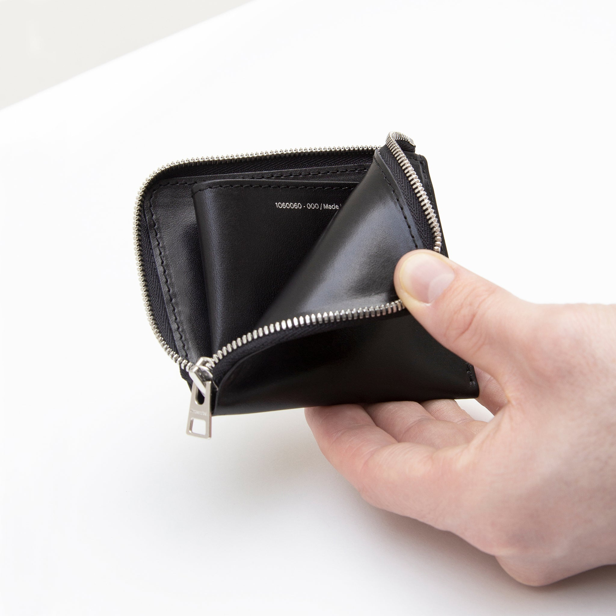 Corner Zip Wallet Black