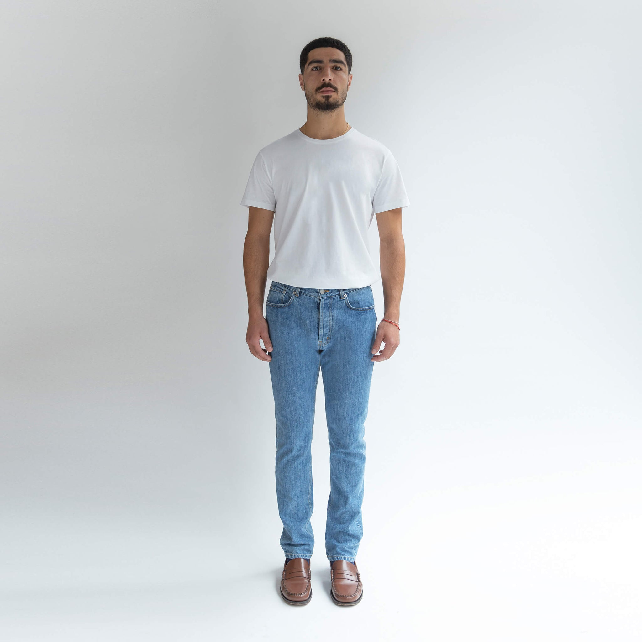 Straight Jeans in Denim made from organic cotton - Front Ment