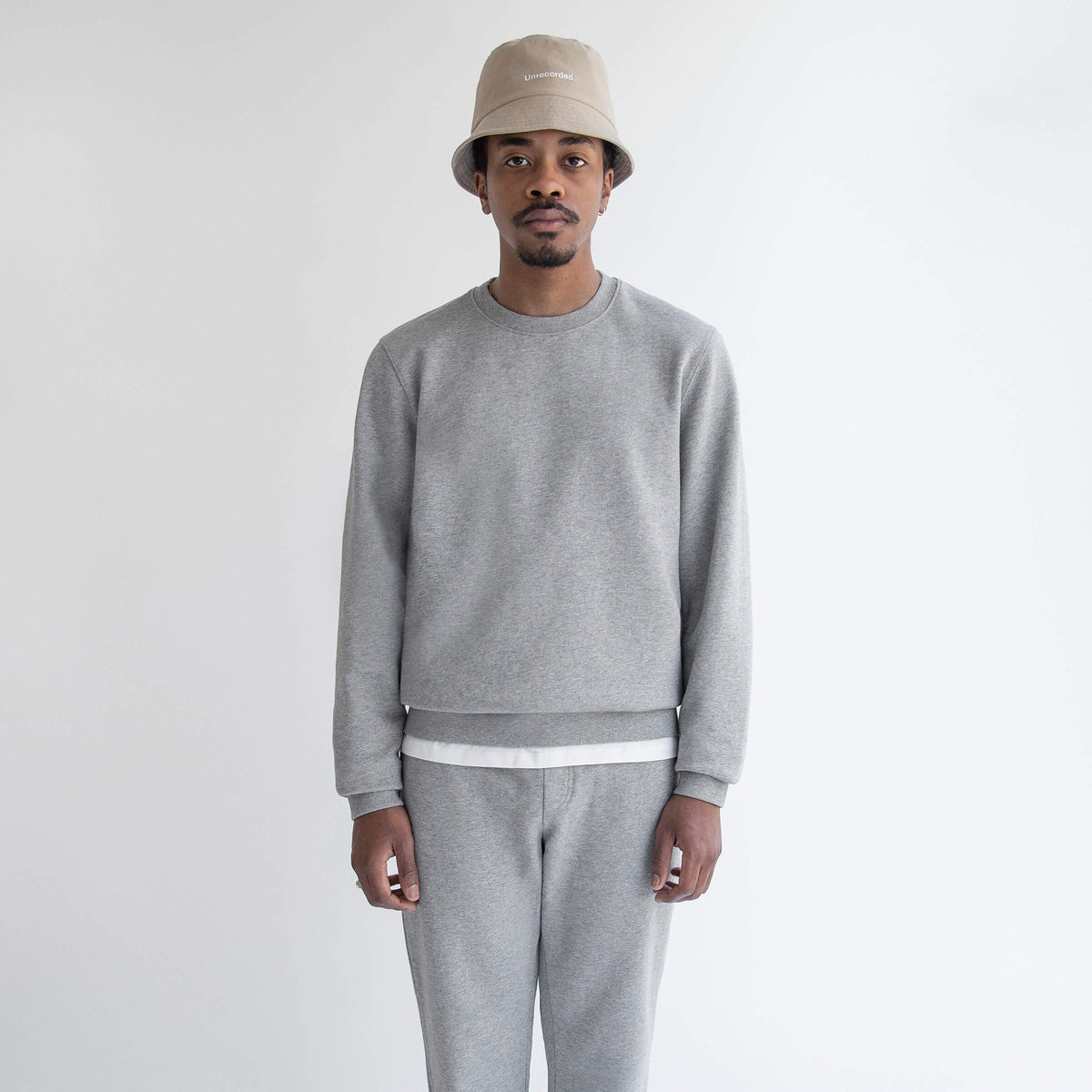 Sweater in Grey made from organic cotton - Front Men