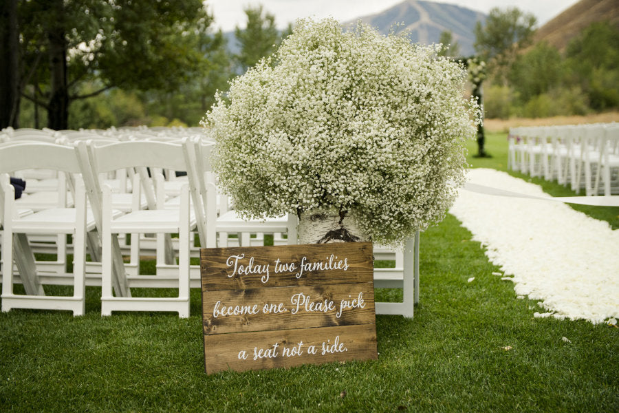 sun valley wedding outdoor ceremony with baby's breath bouquet