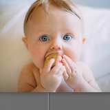 Baby and enlighten your pics with fabric lightbox