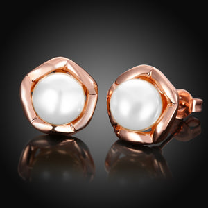 Freshwater Pearl Stud Earring in 18K Rose Gold Plated