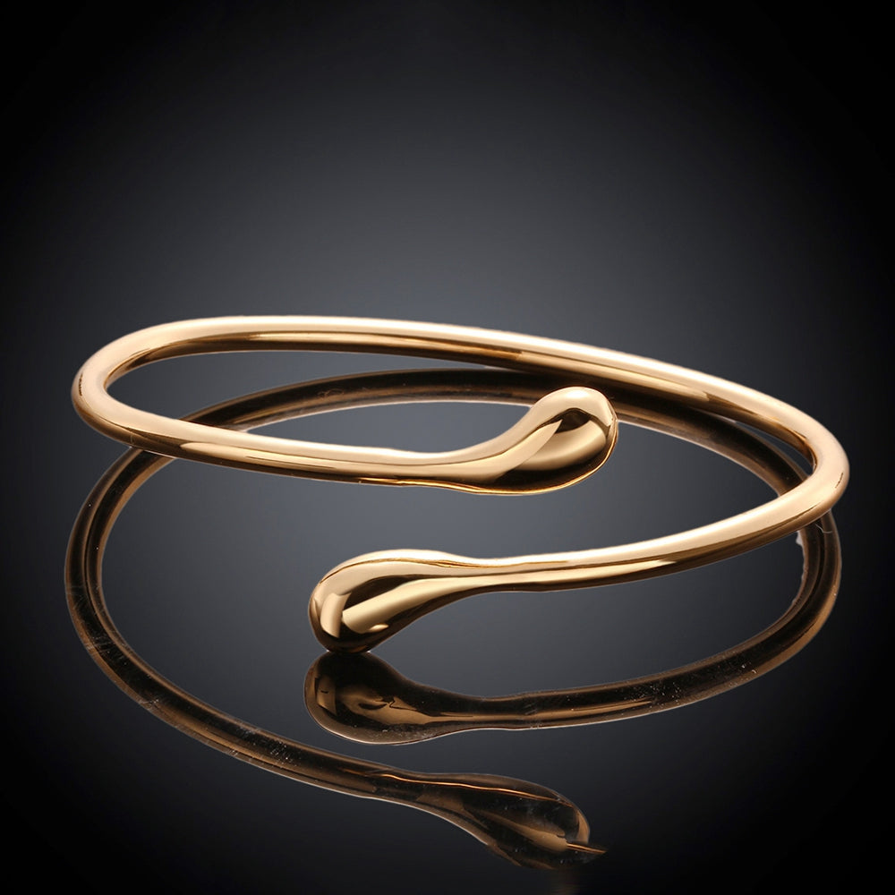 Teardrop Bangle in 14K Gold