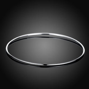 Thin Bangle in 18K White Gold Plated