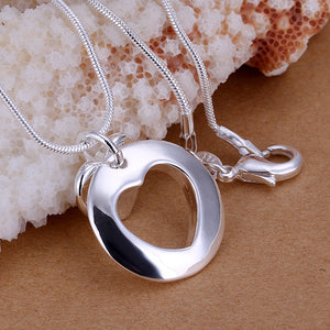 Missing Heart Necklace in 18K White Gold Plated