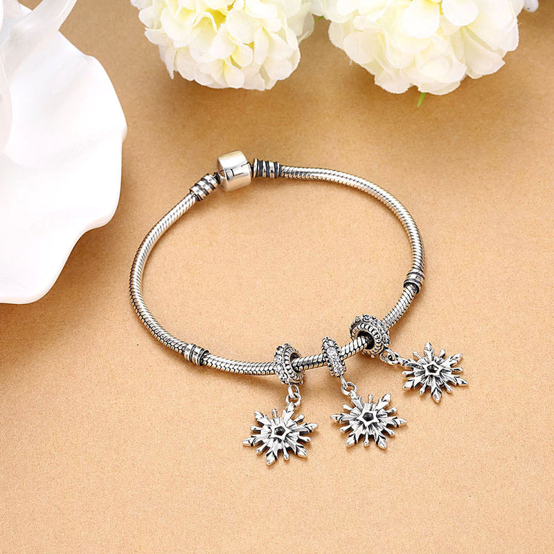Sterling Silver Single Snowflake Charm, made for Christmas Charm - Golden NYC Jewelry Pandora Jewelry goldennycjewelry.com wholesale jewelry