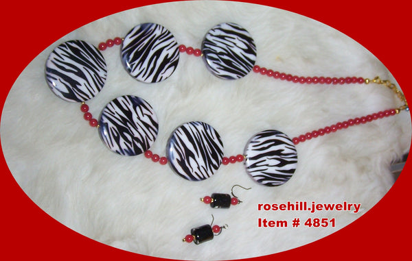 4851 CHERRY RED  - WHITE BEADS & MOP COIN BEADS  JEWELRY SET ITEM # 4851