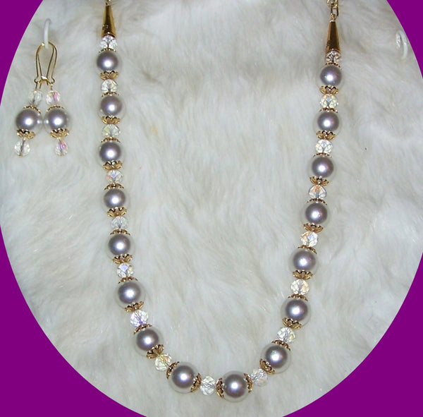 7208  WHITE GLASS PEARL NECKLACE SET         ITEM # 7208