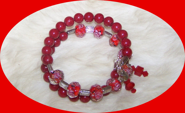 7277 MEMORY WIRE BRACELET RED JADE & LAMPWORK BEADS   RUBY'S ROAD HOME DONATE          ITEM # 7277