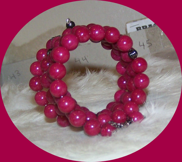 7285 MEMORY WIRE BRACELET RUBY RED AGATE BEADS    # 7285
