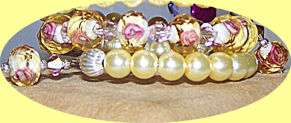 4946-6 YELLOW PEARLS & PINK ROSES  LAMPWORK BEAD MEMORY WIRE BRACALET 4946YELLOW