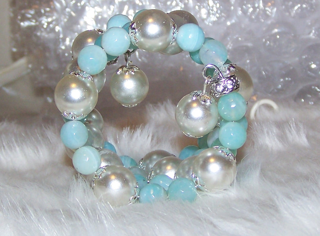 7336 MEMORY WIRE BRACELET BABY  BLUE & WHITE BEAD ITEM # 7336
