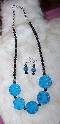 4928 HANDMADE TURQUOISE PORCELAIN BLACK ONYX NECKLACE & EARRING SET ITEM # 4928