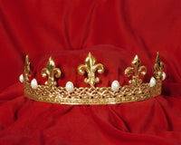 Renaissance Crown Gold/Pearls