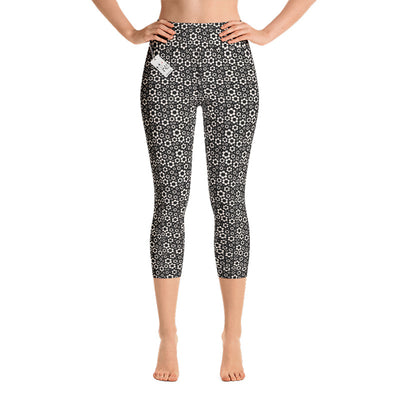 Carla Martell | Dashing Daisies Yoga Capri Leggings