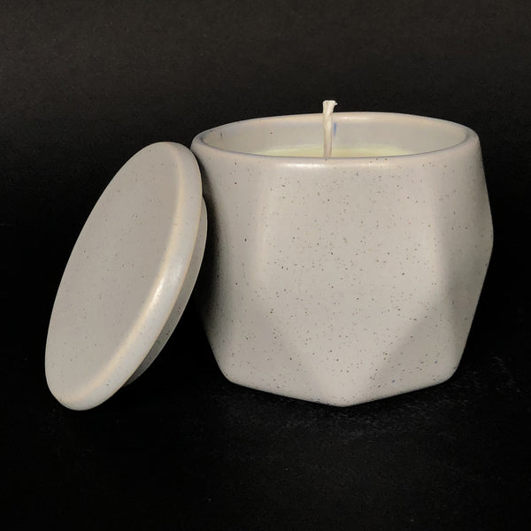 e.baran - Limited Edition Handmade Pottery Candle - Hex Mug - Vetiver Balsam - angelo:HOME