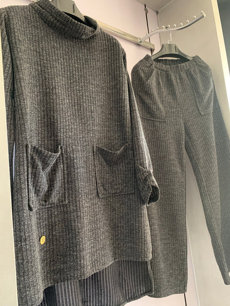 Grey Knit Pockets Set