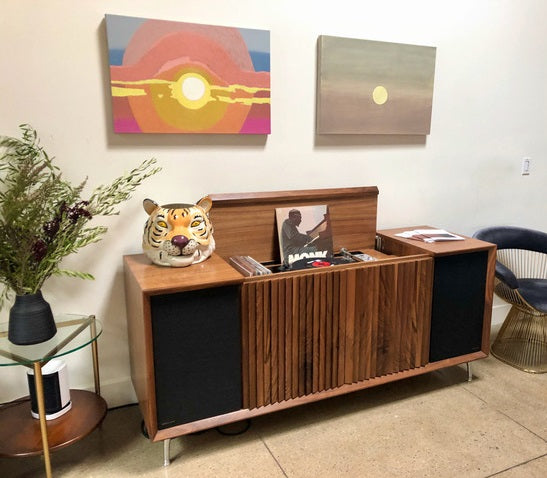 Wrensilva record console at Gold-Diggers