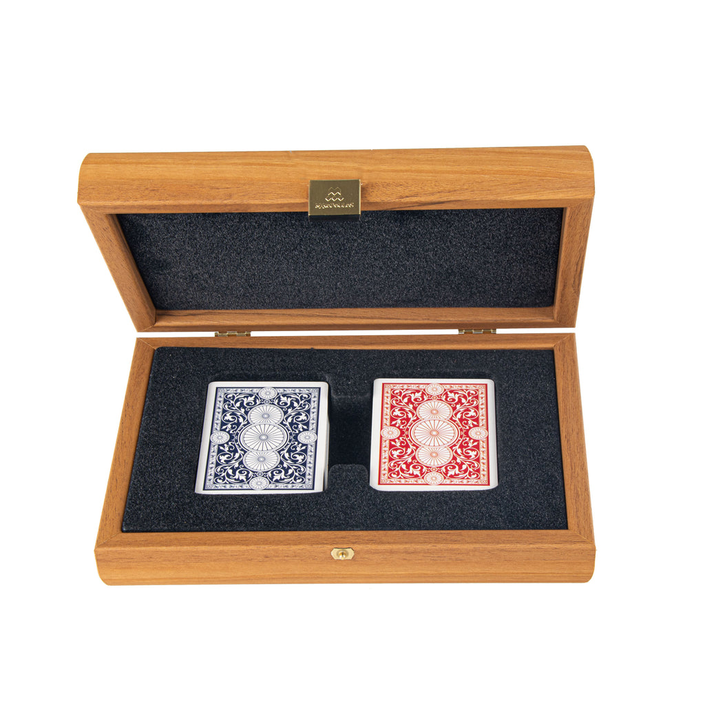 PLASTIC COATED PLAYING CARDS in wooden case with Lupo burl