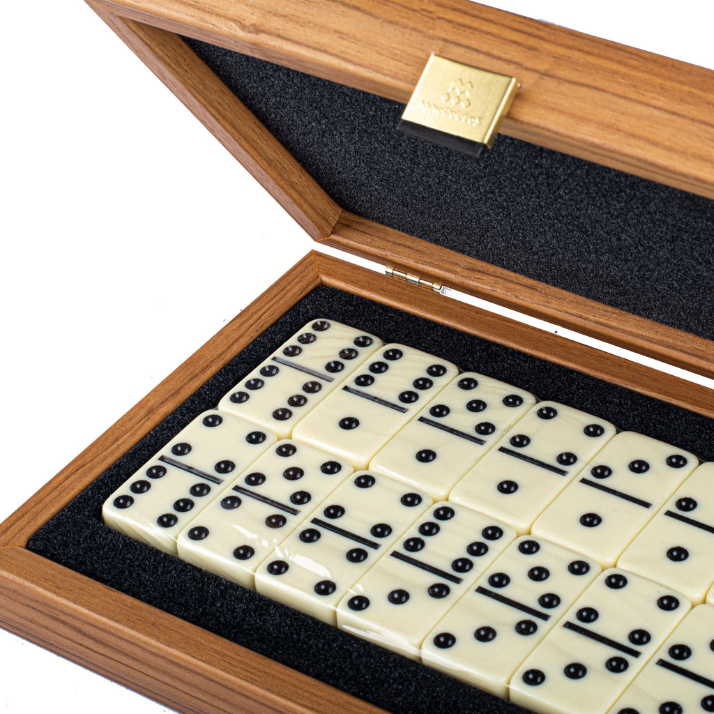 DOMINO SET in wooden case with Lupo burl