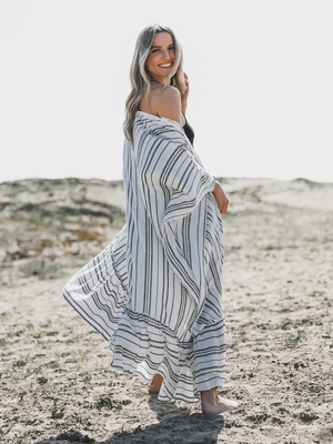 Day At The Beach Kimono in Black/White - Stitch And Feather