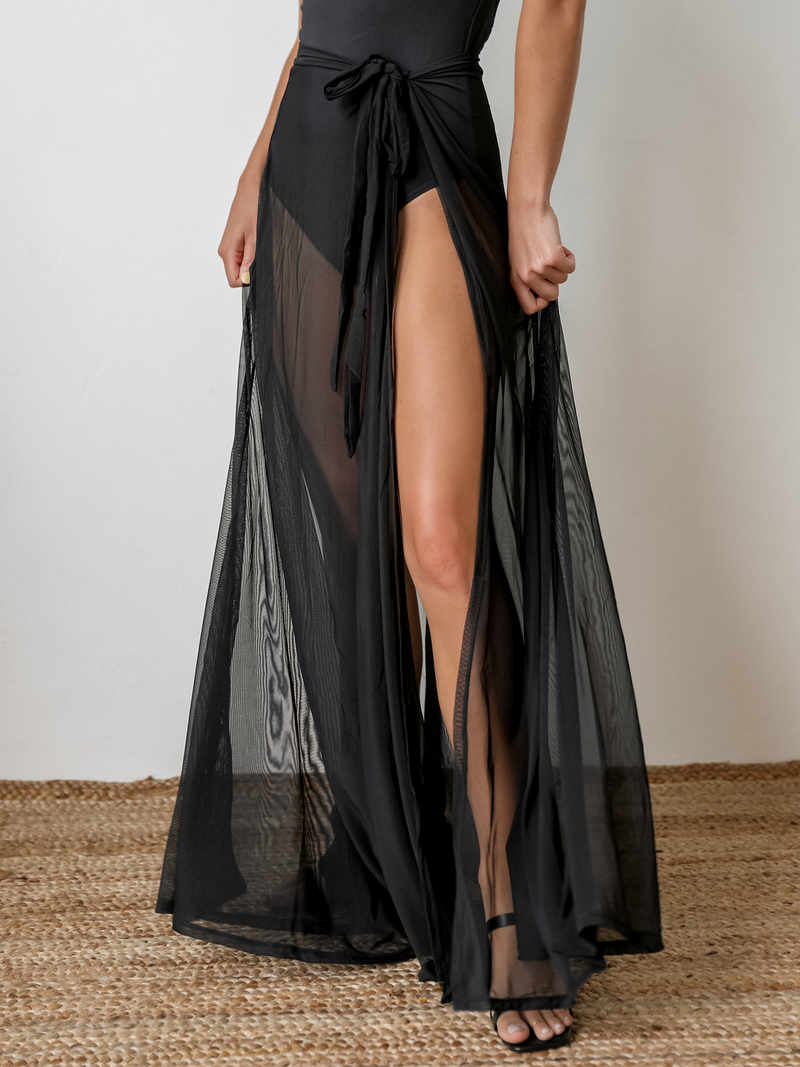 Weekender Mesh Sarong in Black - Stitch And Feather