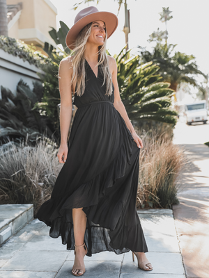 Chasing Sunsets Maxi Dress - Stitch And Feather