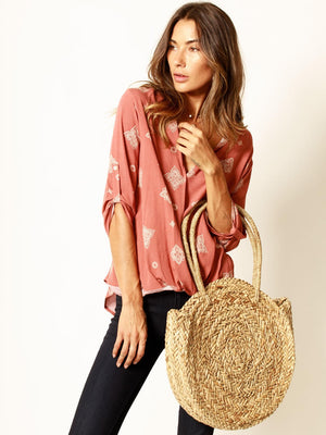 print, roll sleeve, blouse, surplice top, casual, chic, everyday t8683y