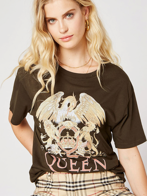 Queen Boyfriend Tee by Daydreamer - Stitch And Feather