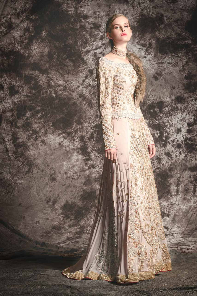 Lengha Suits: The Trendy Attire for Winter Weddings