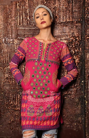woman-wearing-a-tunic