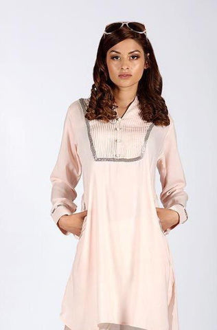 woman-wearing-tunic-mosest-top