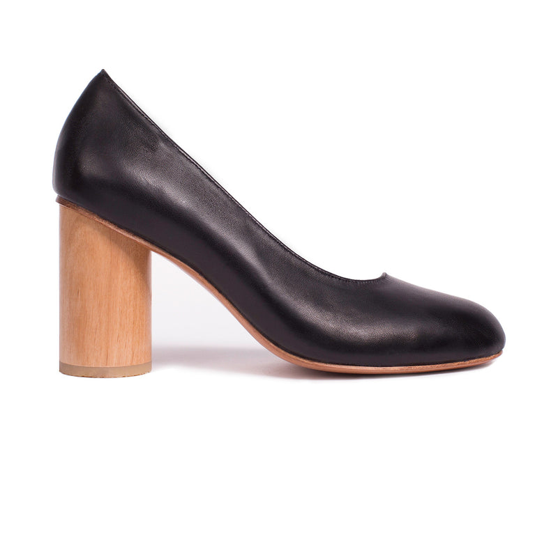 Round Wooden Heel Pump