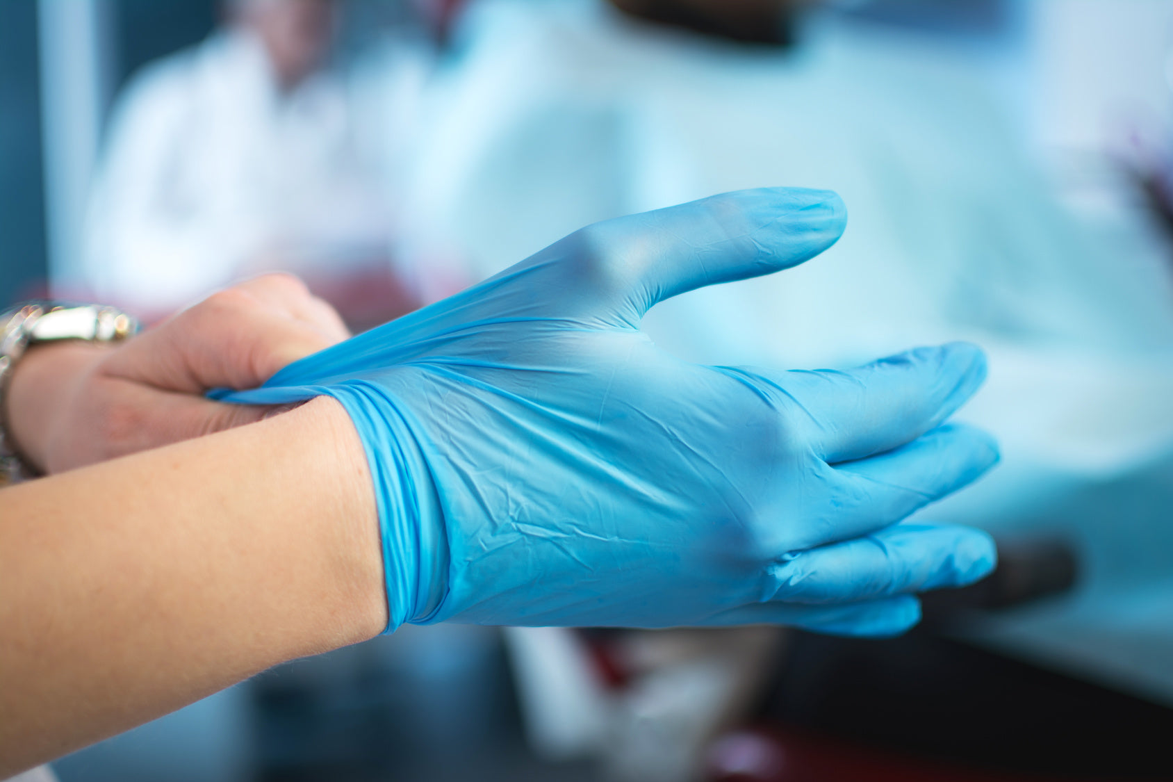 How to Select Surgical Gloves for Latex Allergies