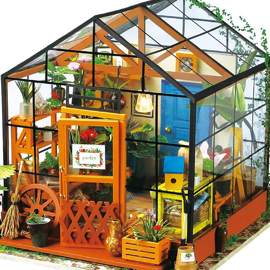 Arts & Crafts Mini Greenhouse